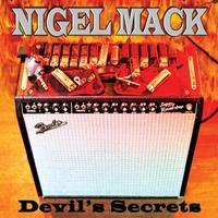 Couverture du titre Devil's Secrets