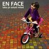 Cover of the album En Face - Lako Je Ostati Mlad