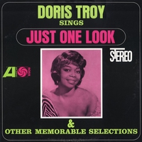 Couverture du titre Sings Just One Look and Other Memorable Selections